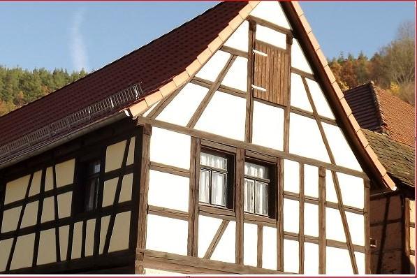 Fassaden- Sanierung mit Kalkputz in Milbitz 2014